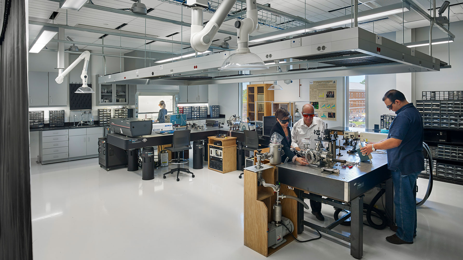 11-dsu-optical-science-center-for-applied-research-leed-platinum-research-laboratory-architectural-design-optics-laboratory-exhaust-snorkel.jpg