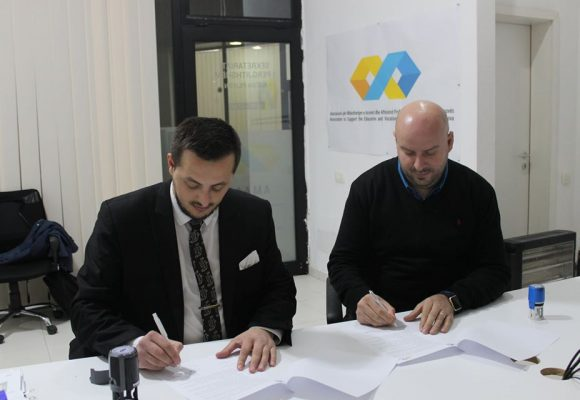 The Association to Support the Education and Training of the Republic of Kosova and the NGO YELLOW have today signed a Cooperation Agreement
