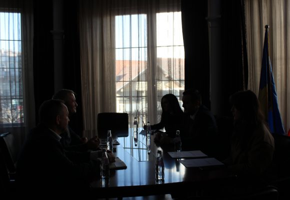 The Mayor of the Municipality of Klina received in a Meeting the President of the Association Mr. Murtezi