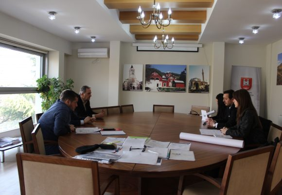 The Mayor of Peja Municipality, Gazmend Muhaxheri, received in a meeting the President of the Association for the Support of the Education and Vocational Training of Republic of Kosova, Shkelzim Murtezi