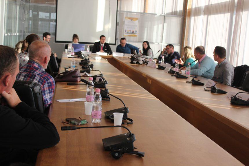 Asociacioni për Mbështetjen arsimit të Republikës së Kosovës ka mbajtur një mbledhje me Komitetin Kombëtar për organizimin e Garës Kombëtare të Historisë në fushën e Arsimit