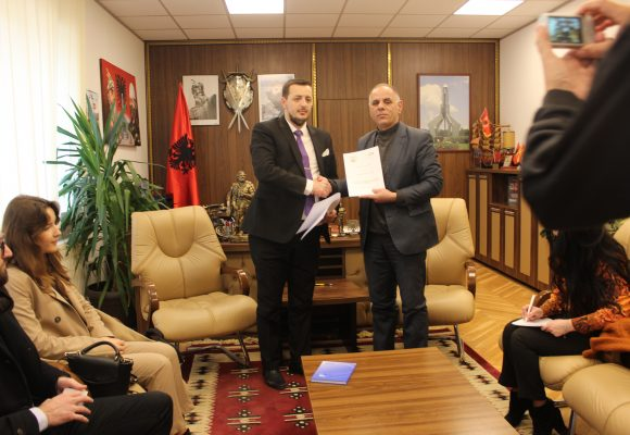 The Municipality of Hani i Elezit signs cooperation agreement with the Association to Support the  Education and Training of the Republic of Kosova