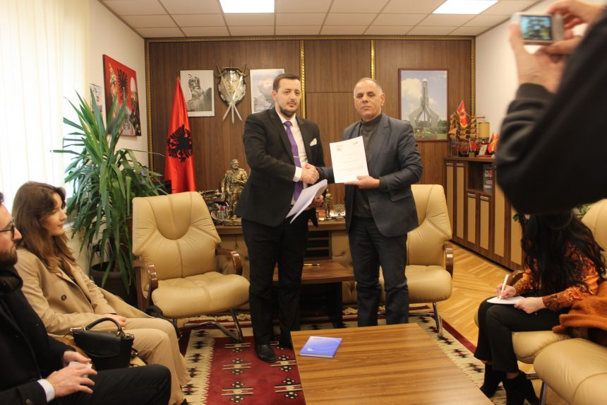 Komuna e Hanit të Elezit nënshkroi marrëveshje bashkëpunimi me Asociacionin për Mbështetje të Arsimit dhe Aftësimit Profesional