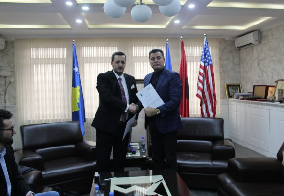 The Municipality of Mitrovica signs cooperation agreement with the Association to Support the Education and Training of the Republic of Kosova